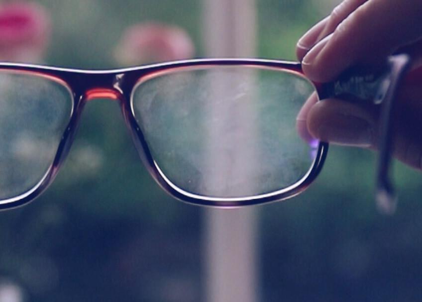 Hur rengör och tar man hand om sina glasögon rätt  4b7f4c3818367